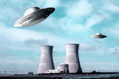 OVNIs & centrale nucléaire (montage)