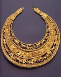 Pectoral escita, de or